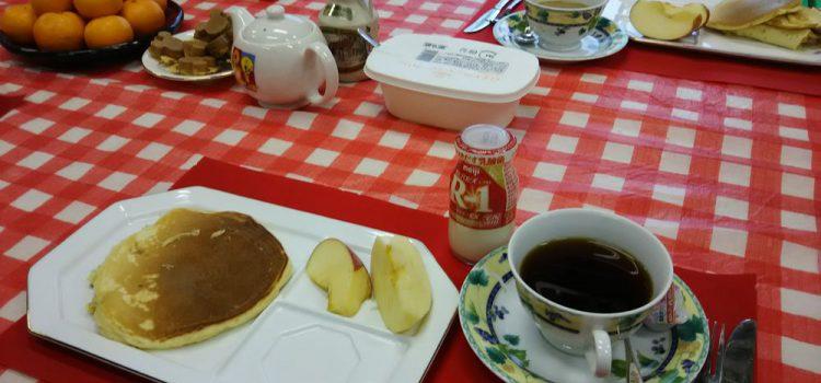 里子たちと過ごす年末年始(素敵な朝食セットが出てきました)