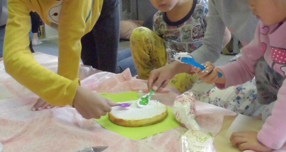 ケーキ作成中